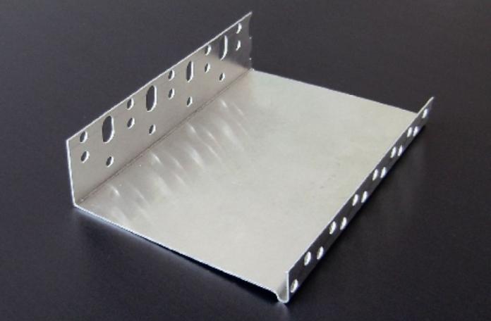 Webertherm COKL10000 Алуминиев цокълен профил с водооткап 2,5м, 100мм